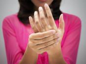 Шипица с локализацией на пальце руки: причины возникновения и опасность заражения