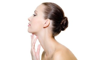 Как устранить липому на шее: обзор домашних методов лечения