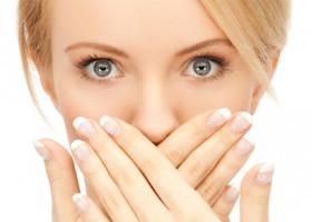 О чем могут свидетельствовать белые точки во рту