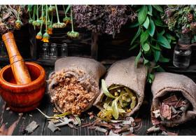 Как избавиться от папиллом на шее народными средствами: рецепты и советы