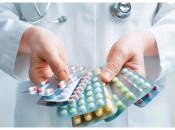 Обзор эффективных аптечных мазей, таблеток и других лекарственных препаратов от бородавок на руках