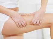 Липома мягких тканей бедра: особенности и причины появления