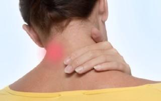 Как убрать липому на шее: особенности операции