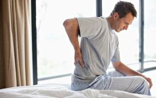 Почему жировик на спине воспалился: способы устранения боли