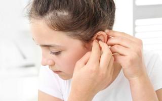 Как безопасно избавиться от папилломы на ухе у новорожденного ребенка или взрослого