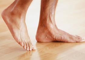 Как отличить подошвенную бородавку от шипицы: общие признаки и различия