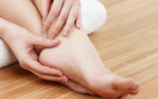 Обзор способов эффективного лечения шипицы на стопе
