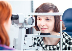 Почему возникают папилломы на глазах: причины и провоцирующие факторы