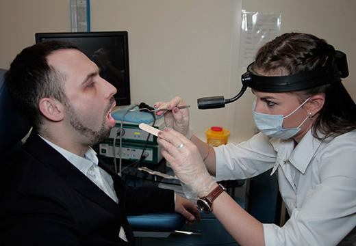 вскрытие абсцесса в горле