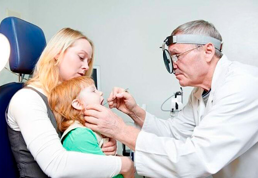 осмотр у детского врача