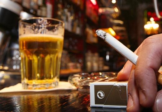 пиво сигарета