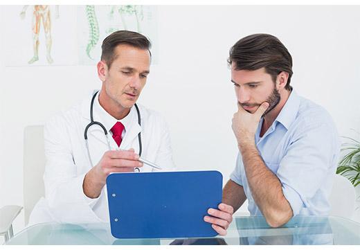 Обследование мужчины у венеролога