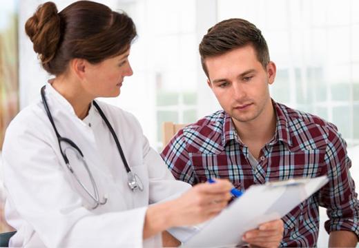 парень и доктор