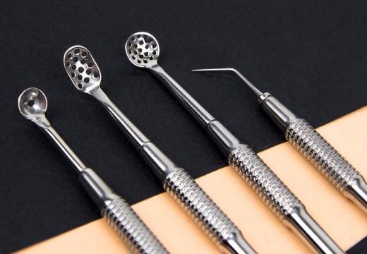 инструменты для выдавливания комедонов и угрей